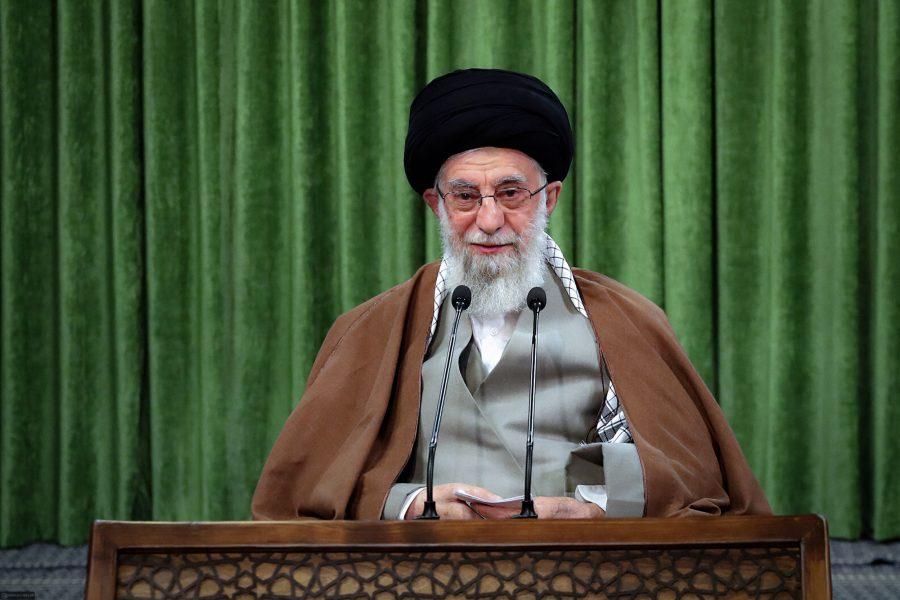 اس میدان (سوشل میڈیا) کو دشمن کے منہ پر طمانچہ بنایا جاسکتا ہے،رہبر معظم انقلاب اسلامی