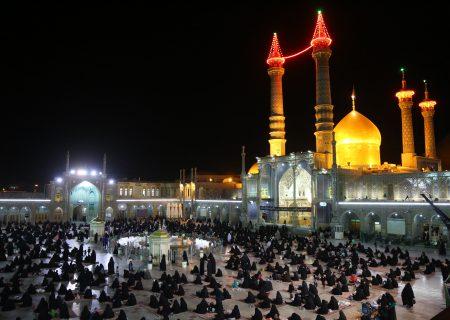 تصویریر رپورٹ|حرم حضرت معصومہ قم میں شب قدر کی مناسبت سے دعا و مناجات، روح پرور مناظر