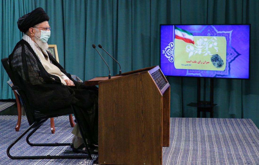 تیرہویں صدارتی انتخابات اور شہری و دیہی کونسلوں کے چھٹے انتخابات کے موقع پر رہبر انقلاب اسلامی کے خطاب کی تصویری جھلکیاں