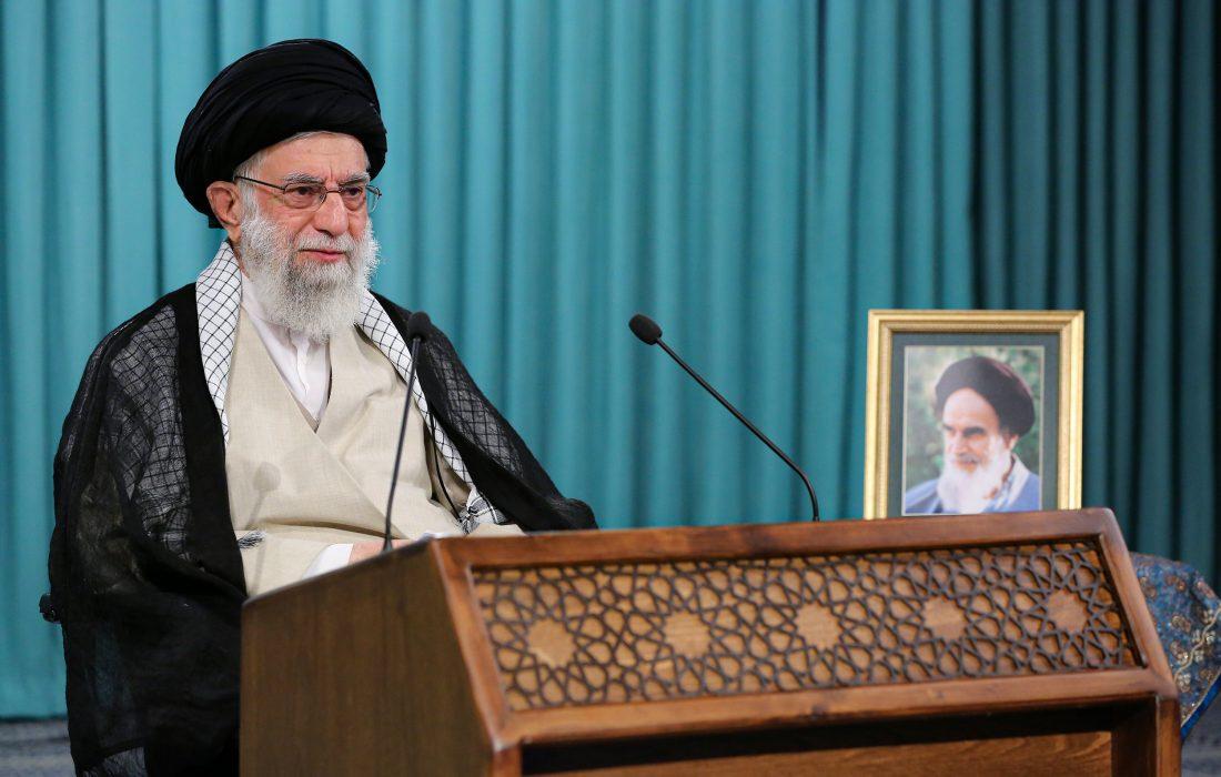 جو لوگ عوام کو انتخابات کی جانب سے مایوس کرنے کی کوشش کر رہے ہیں وہ اسلامی نظام کو کمزور کرنے کے در پے ہیں، رہبر معظم انقلاب