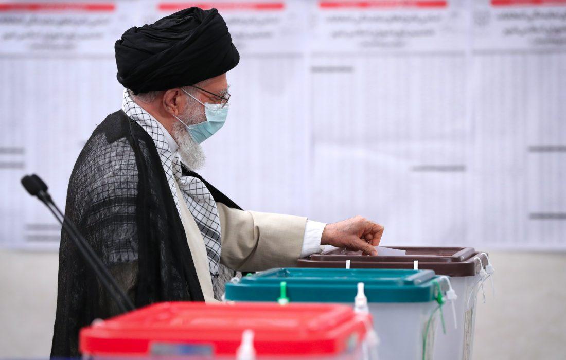 ایرانی تیرہویں صدارتی انتخابات؛ رہبر معظم انقلاب نے اپنا ووٹ کاسٹ کرلیا