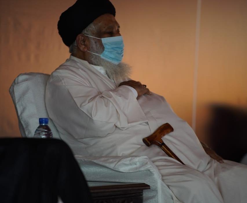 علماء و ذاکرین کانفرنس جاری، جلسہ گاہ میں نوحہ خوانی اور سینہ زنی+تصاویر